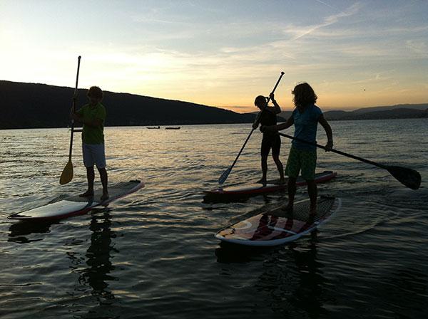 Randonnée en stand up paddle sur le lac d'Annecy