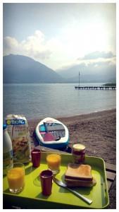 Petit déjeuner au bord du lac