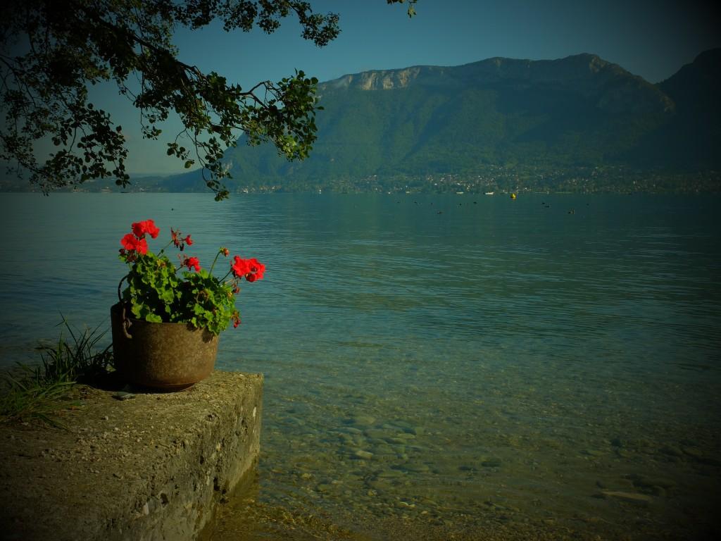 stand up paddle en septembre sur le lac d'Annecy