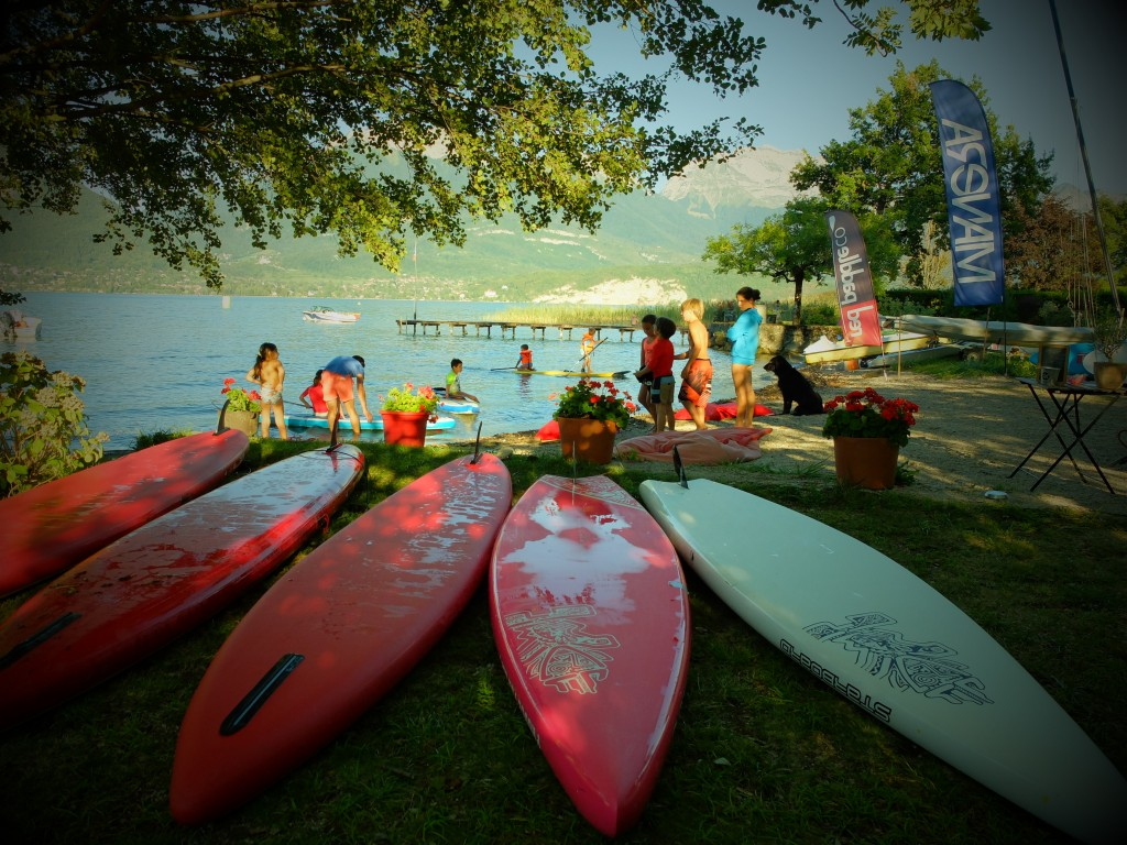 Du paddle sur le lac d'Annecy pour le week end de l'Ascension